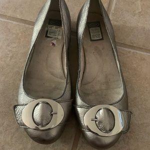 Dr scholls silver comfort flat 8.5